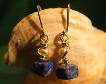 Silver earrings with lapis lazuli and natural Pearl