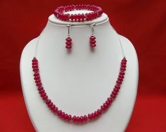 Fuchsia pink parure in glass beads