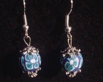 Simple blue flowers earrings !