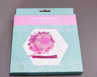 Kit origami home decor to make and hanging pink tassel