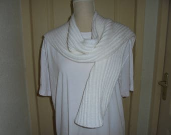 Hand knitted white scarf