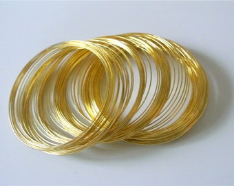 10 turns of wire to shape gold memory wire 0.6 mm diameter bracelet 60 mm diameter