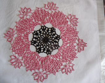 Large doily pink gradient and black heart