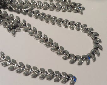 20 cm chain grey ears silver base and color