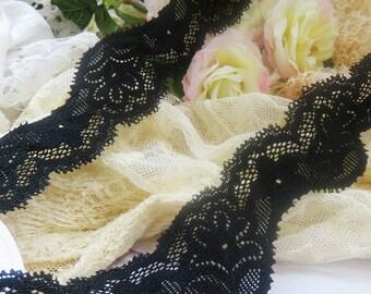 beautiful lace 4 cm black ornate, undulating scrolls