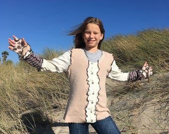 "Upcycled Woman's Sweater Cashmere and Cotton ""Giraffe on the Beach"""