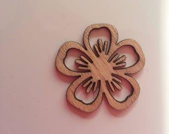 fleur  en bois  30mm pour scrapbooking