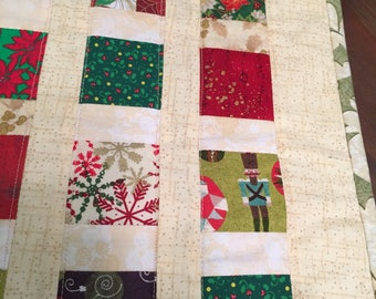 Christmas, table runner, patchwork, pieced,quilted, hand made