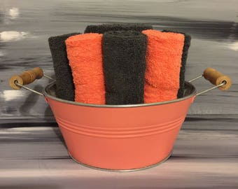 Coral Beach Bathroom Towel Bin - Towel/Wash Cloth Holder/Wooden Handles - 2 dark gray hand towels - 5 orange/5 gray wash cloths