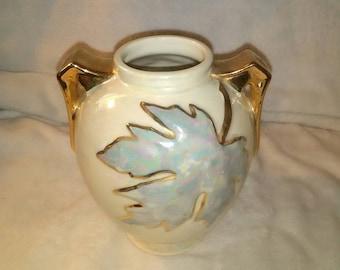 Vintage 22 karat gold trimmed iridescent flower vase