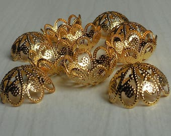Set of 10 big and beautiful golden cups