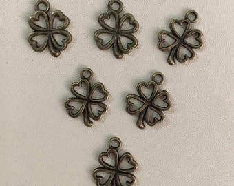 Clover charms