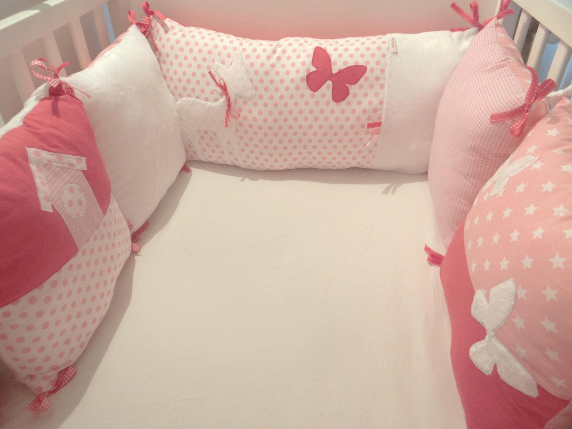 tour de lit pour b b bambi et les papillons. Black Bedroom Furniture Sets. Home Design Ideas