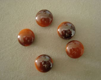 5 flat round beads orange with highlights