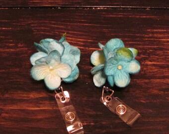 Flower Badge Pull