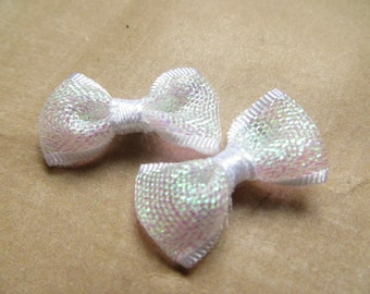 4 knots satin white fabric bow