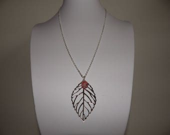 Necklace large silver leaf and Pearl light pink