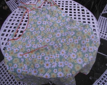 Vintage kitchen apron yellow daisies