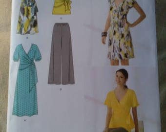 Simplicity 2369. New sewing pattern. Knit stretch dress tunic top and trousers UK 12-20
