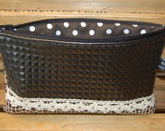 Beautiful clutch in simili Leather Brown and black, pretty lace cream color on the front. Made in Bidart.