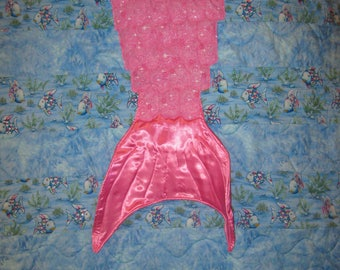 Magical pink mermaid tail baby/toddler quilt