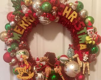 Wooden  MERRY CHRISTMAS Vintage Toy Wreath