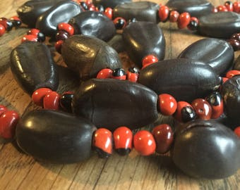 Vintage brown/red wood bead necklace