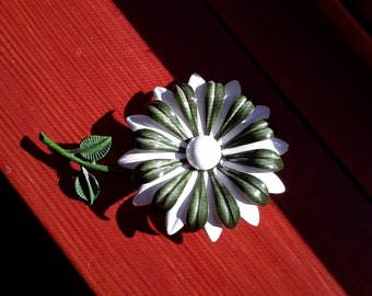 Vintage 1960's Green And White Enamel Flower Pin Brooch