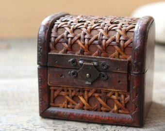 Vintage wood box small jewelry box antique ring box wooden chest small treasure chest tooth fairy box rustic ring holder coin box keepsake
