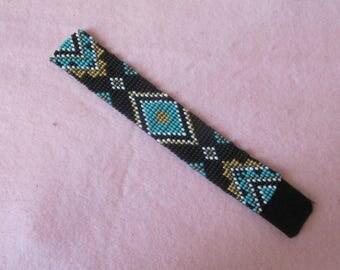 Handmade bracelet with seed beads