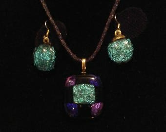 Sparkling Dirco glass necklace and earring set.