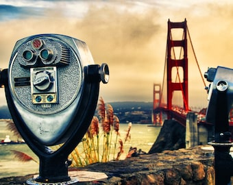 Binoculars with the Golden Gate Bridge in San Francisco on canvas