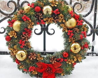 Holiday wreath red Beautiful holiday wreath  Winter wreath gold Holiday door wreath Wreath christmas Wreath for door Red green wreath