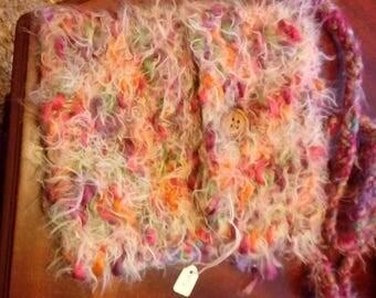 Fluffy woollen bag to wear