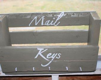 Mail and keys holder