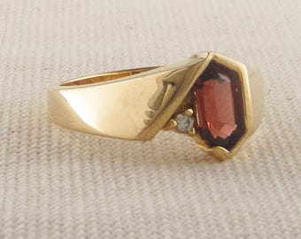 Vintage Garnet and Diamond Gold Modern Ring, Vintage Garnet Ring, January Birthstone