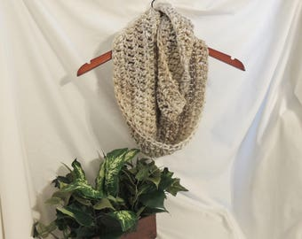 Crochet Infinity Scarf (Neutral)