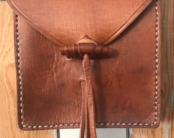 small everyday messenger bag