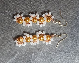 Wavy beaded drop earring