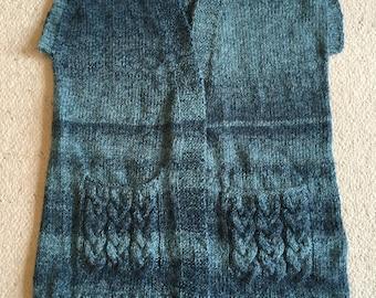 Knitted wool vesst
