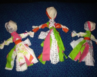 Lot of 7  Old Fashioned Rag Dolls