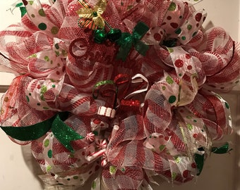 Red & White Christmas Wreath