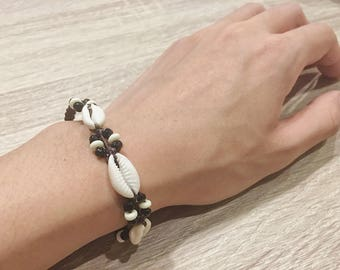 Seashell bracelet, antique jewelry, thai traditional style