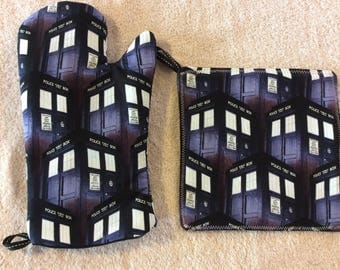 Dr. Who's Tardis Oven Mitt and Hot Pad