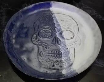 Skull decor plate