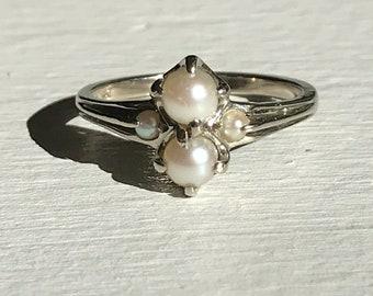 10k gold vintage seed pearl ring