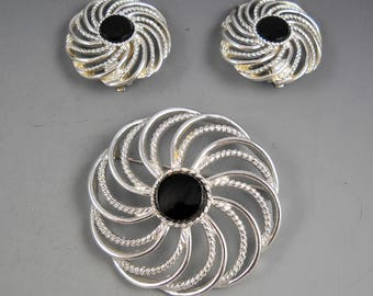 Sarah Coventry Vintage MYSTIC SWIRL 6641 Brooch and Clip On Earring Set Silver Tone 1960's