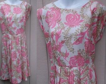 60s Vintage Pink Floral Mod Dress with Pleated Skirt // Sz Med - Lge