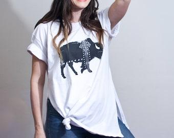 Women's Buffalo Graphic Tunic Shirt • Bohemian Boho Birds Tshirt • Loose Fit Cover-Up Shirts • Cuffed Sleeve Graphic Tee • Oversized Fit Top