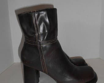 Chunky Heel platform boots brown pleather fake leather  size 9.5 US    womens women ladies